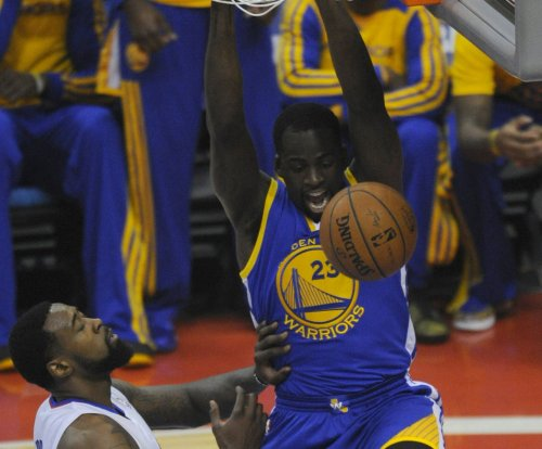 Curry leads Golden State Warriors past Utah Jazz