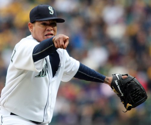 Hot Felix Hernandez, Seattle Mariners blank Texas Rangers