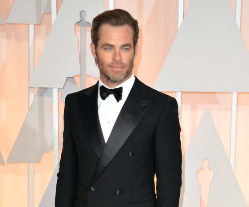 Chris Pine: 'Wonder Woman' to make DC universe 'less aggressive'