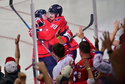 Justin Williams' OT goal gives Washington Capitals 3-2 series lead over Toronto Maple Leafs