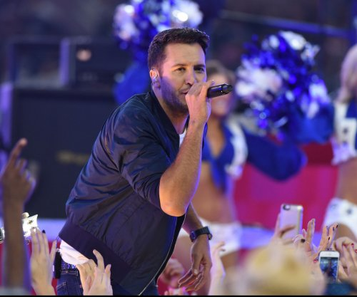 Luke Bryan, Dierks Bentley to co-host 51st Academy of Country Music Awards show