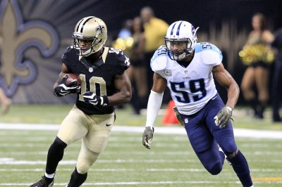 Da'Norris Searcy contributes to Tennessee Titans' defensive effort vs. Jacksonville Jaguars