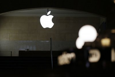 Apple reopens more than two dozen stores in 6 states