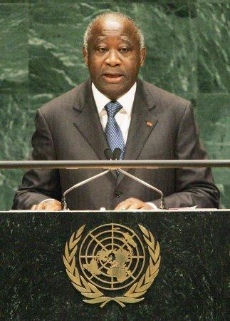 Ivory Coast presidential rivals sworn in