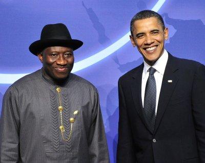 Tense Nigeria inaugurates president