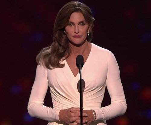 Caitlyn Jenner accepts Arthur Ashe Courage Award, tells audience: 'Trans people deserve your respect'