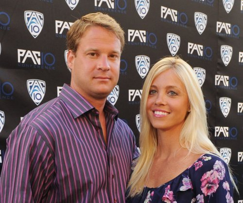 Alabama football coach Lane Kiffin gets raise to $1.4M