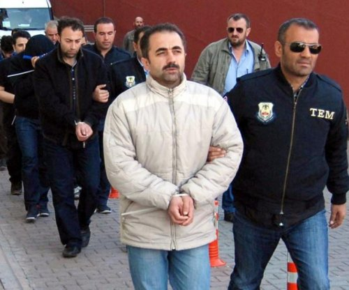Turkish police detain more than 1,000 suspected followers of cleric Gulen
