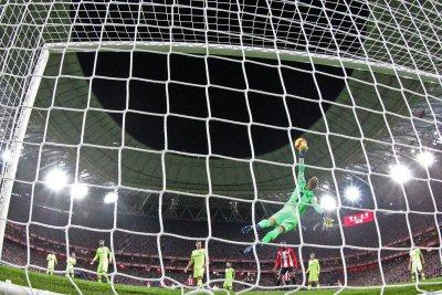 Champions League: Liverpool vs. Bayern, Barcelona vs. Lyon have scoreless draws