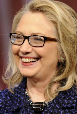 Clinton more popular than Obama, poll says