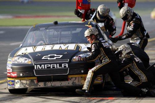 Army bill keeps NASCAR recruiting