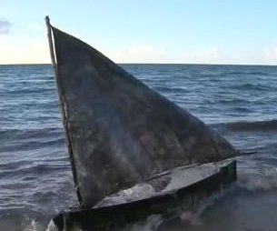 Four Cuban immigrants come ashore in South Florida after week at sea