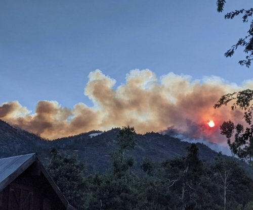 Apple Fire expected to be contained by Aug. 17