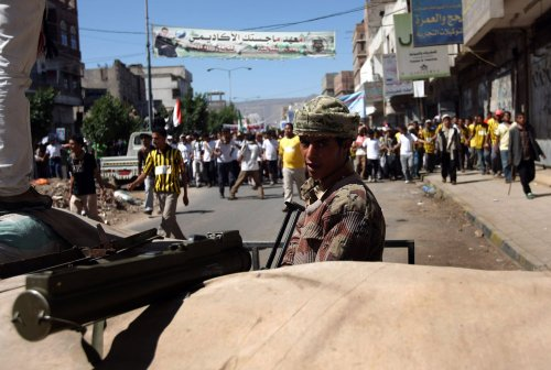 Yemen: Saleh and 'new guard' play for time