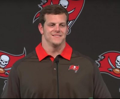 Tampa Bay Buccaneers place WR Louis Murphy, G J.R. Sweezy on PUP list