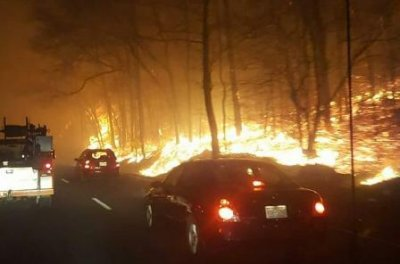 At least 3 dead in worst Tennessee wildfires in recent memory; dozens of homes burned