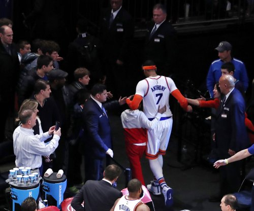 Carmelo Anthony, in likely final game with New York Knicks, beats Philadelphia 76ers