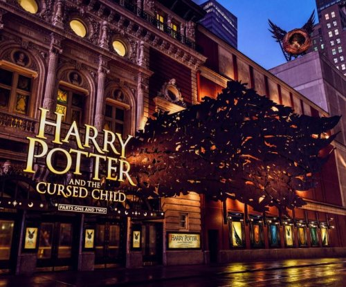 Broadway marquee unveiled for 'Harry Potter and the Cursed Child'