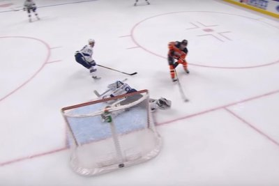 Andrei Vasilevskiy stonewalls Connor McDavid with leg save