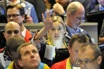 Oil trades higher on U.S.-China talks optimism