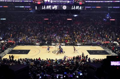 Los Angeles Lakers return $4.6 million from federal loan program