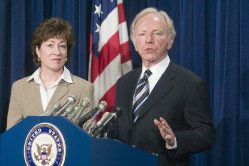 Senators call for bin Laden death photos