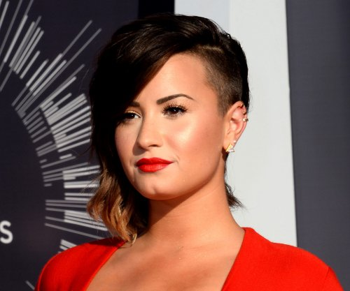 Demi Lovato tried her version of the #KylieJennerChallenge