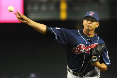 Carlos Carrasco 1-hits Kansas City Royals to keep Cleveland Indians in hunt