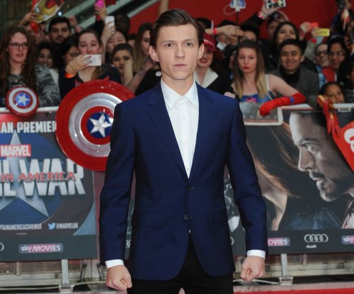 Tom Holland posts 'Spider-Man: Homecoming' selfie