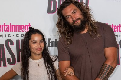Jason Momoa takes 'Aquaman' trailer to Comic-Con, hangs with Zoe Kravitz