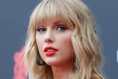 Taylor Swift gives 'context' behind Kanye West feud