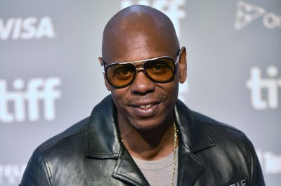 Dave Chappelle receives Mark Twain Prize for American Humor