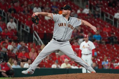 Atlanta Braves sign veteran reliever Will Smith to three-year deal