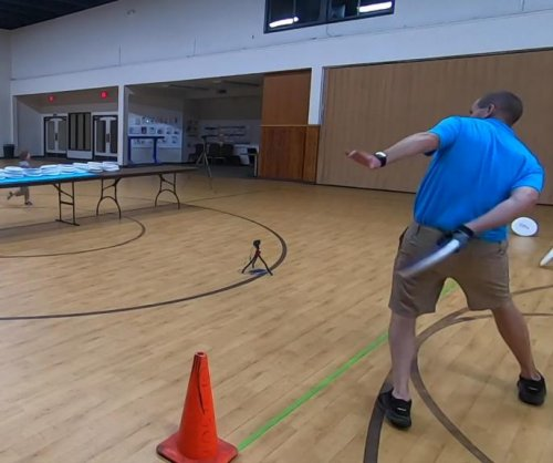Idaho men break Guinness record for behind-the-back disc catches