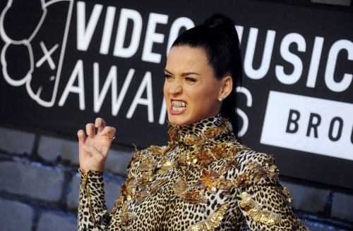 'Roar' by Katy Perry tops U.S. record chart for a second week [VIDEO]