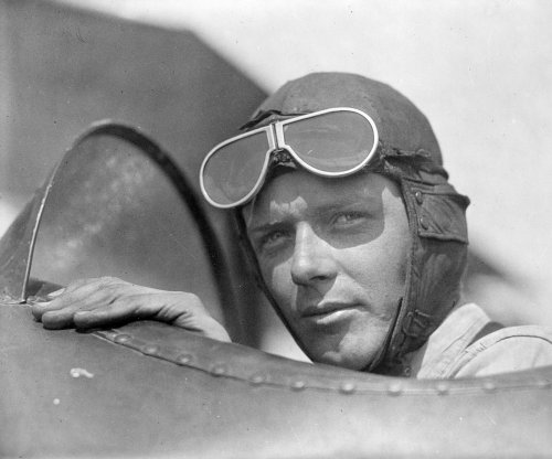Lindbergh takes off from New York in effort to fly solo to Paris