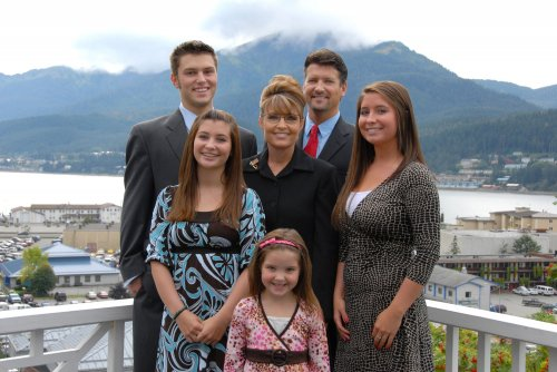 Palin family heard on police recording recounting family brawl