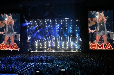 Carrie Underwood, Kellie Pickler perform at the CMA Music Festival