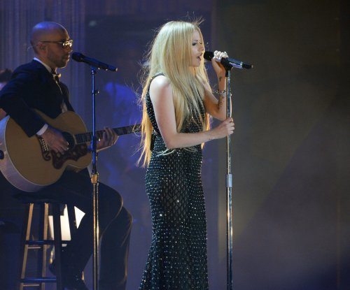 Avril Lavigne debuts new single at Special Olympics ceremony