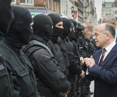 French president appoints Bernard Cazeneuve prime minister