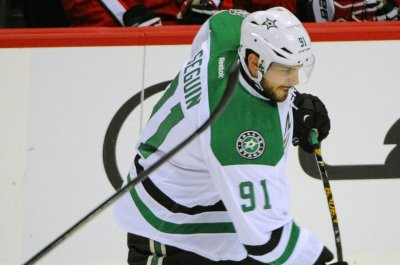 Dallas Stars, Kari Lehtonen shut out Carolina Hurricanes