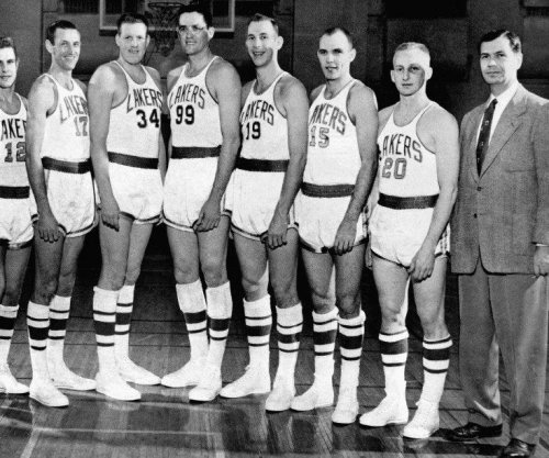 Hall of Fame coach John Kundla, first Los Angeles Lakers coach, dies at 101