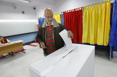 Low voter turnout kills gay marriage referendum in Romania