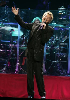 Rep says Manilow not ill