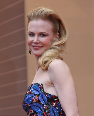 Kidman didn't wear Hathaway hand-me-down to Cannes