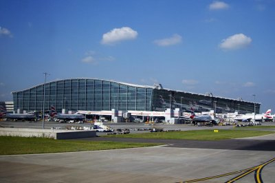 London's Heathrow Airport reportedly target of 'substantial threat of a possible attack' by AQAP