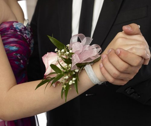 Prom spending falls 14 percent; men's spending doubles women's