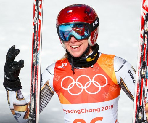 Ledecka stuns Alpine skiing women's super-G in Pyeongchang