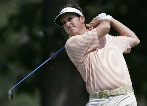 Monday playoff set for Singapore Open