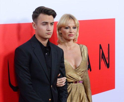 Pamela Anderson granted restraining order against Rick Salomon